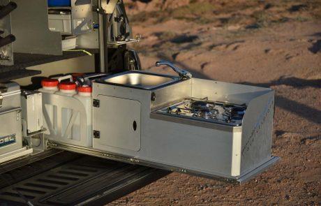 Auszug mit Waschbecken & Kochfeld für VW Amarok